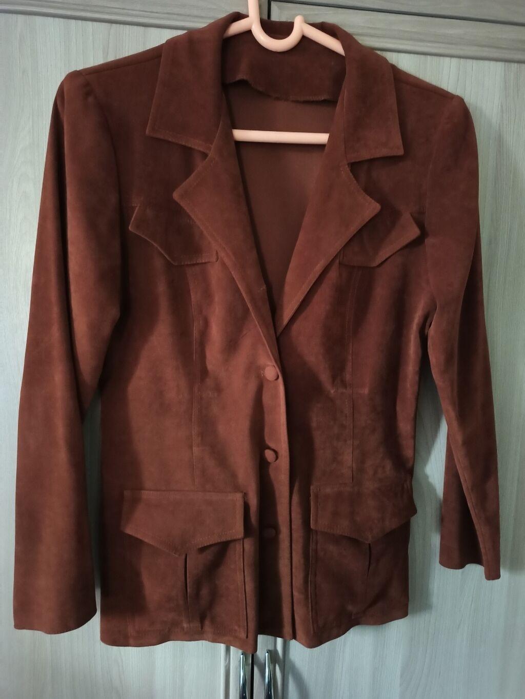 Продаю пиджак в хорошем состоянии размер 46-48. 6 мкр: Продаю пиджак в хорошем состоянии размер 46-48. 6 мкр