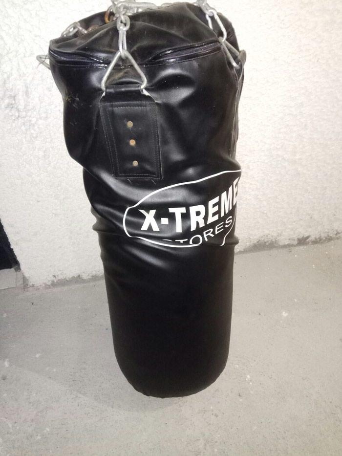 Πουλάω σάκο του μποξ + γάντια ελάχιστα σε Κιλκίς