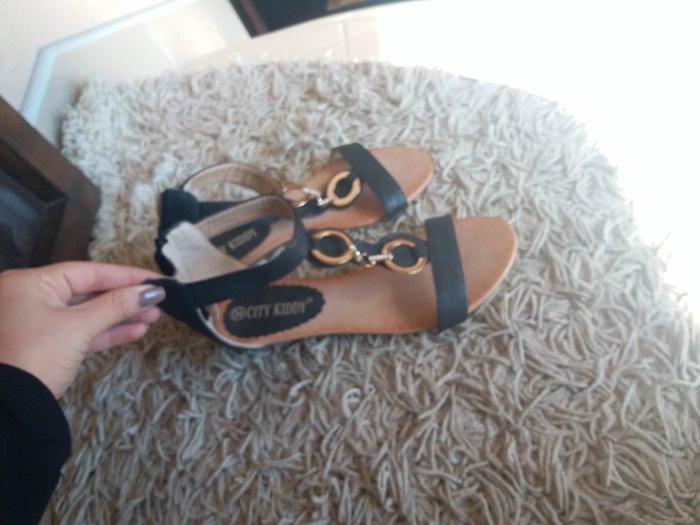 Crne sandale 36 nove. Photo 1