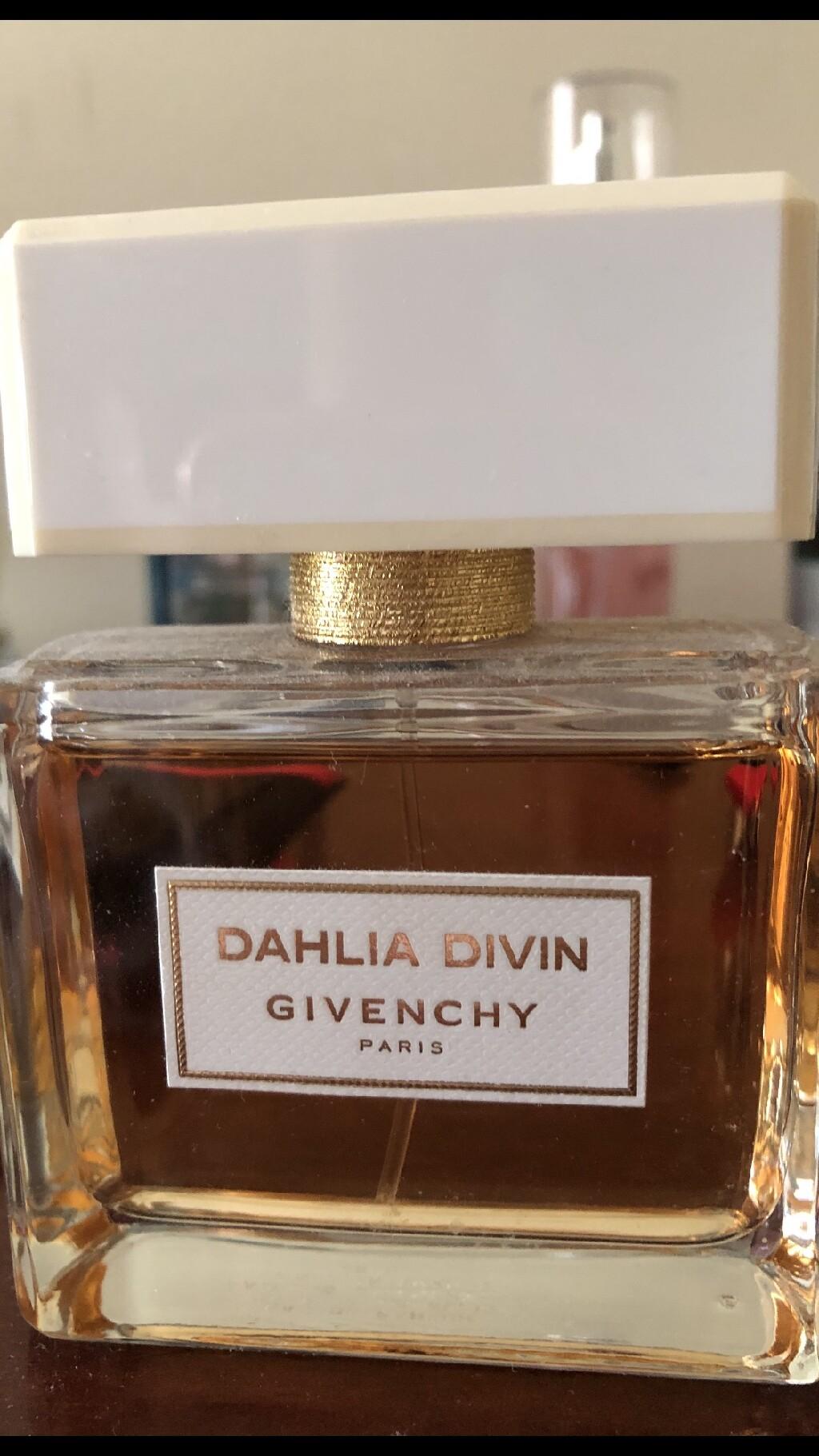 Ένα ολοκαίνουριο μπουκάλι GIVENCHY Dahlia Divin 75ml