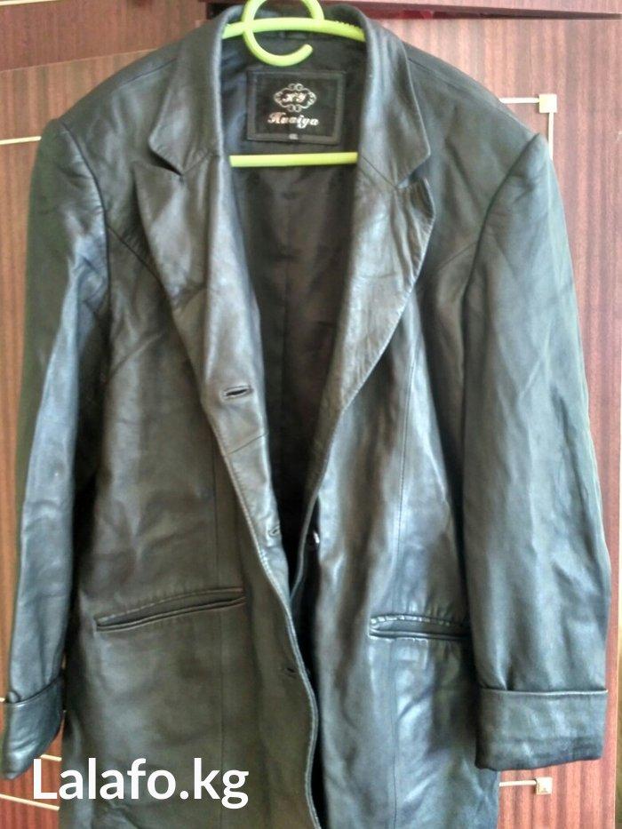 Продаю кожаный женский пиджак. 52-54 размер. в Бишкек