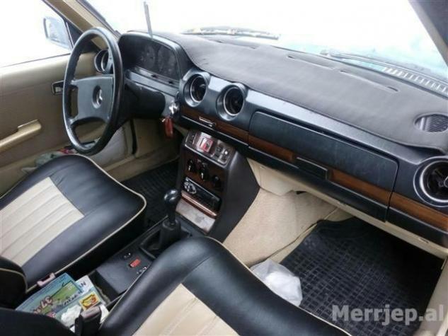 Mercedes-Benz 240 1983. Photo 0