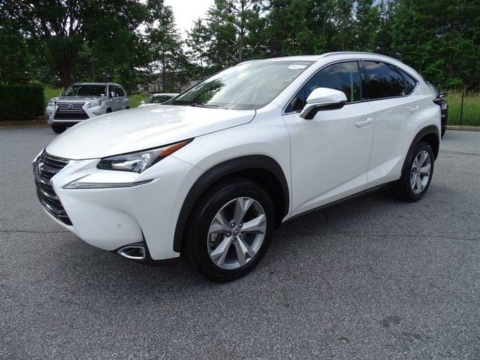 Lexus . Photo 1