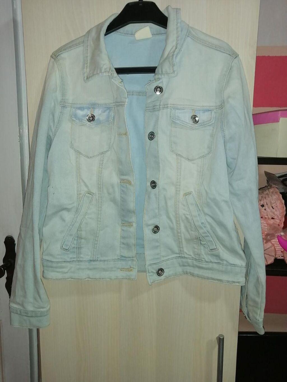Teksas jakna, moderna,očuvana, nema oštećenja,veličina XS ili za decu vel 14