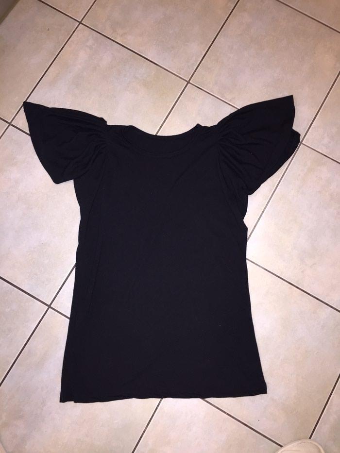Μαύρο βαμβακερό Τ-shirt με ιδιαιτερο μανικι . Νο med. Οκοκαίνουργιο. Photo 0