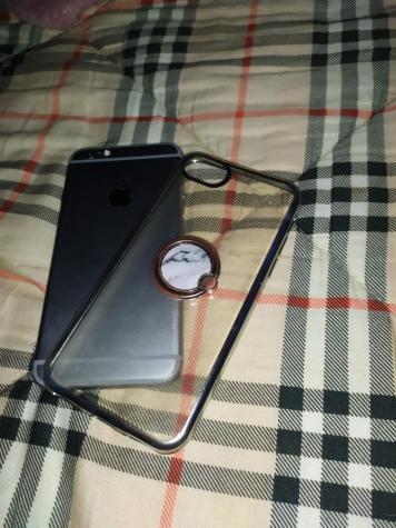 IPhone 6s 16gb me to kouti tou. Photo 1