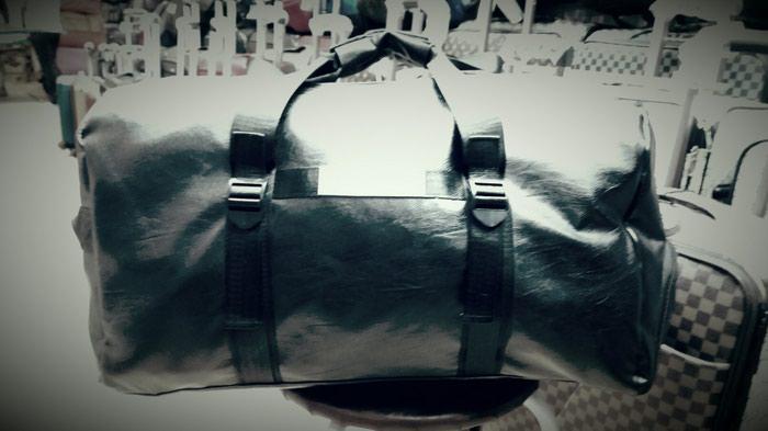 7df22cd4da4a Кожаная спортивная сумка! за 1100 KGS в Бишкеке: Сумки на lalafo.kg