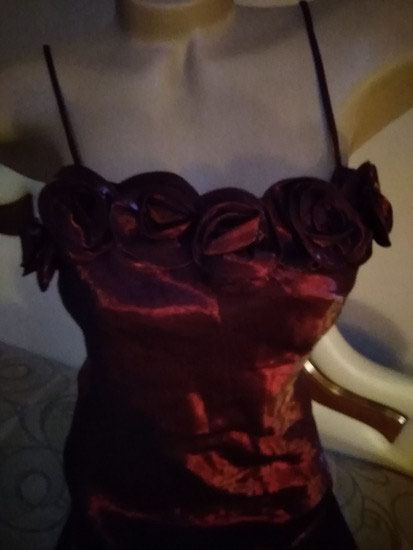 Bordo svecana haljina >M vel.SAten,likra.Sa ruzicama,. Photo 1