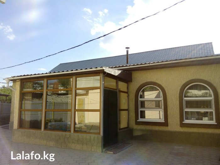Продается особняк,р-н Ср. Джала(по ул. Курчатова),участок в Бишкек
