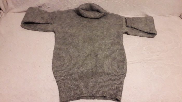 Продаю женский свитер размер 50-52 шерстеной 25befd2f85ff4