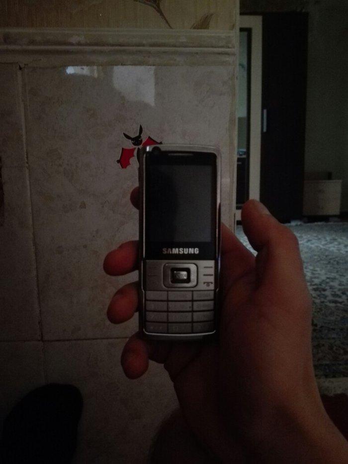 Bakı şəhərində Samsung's l700 tecili