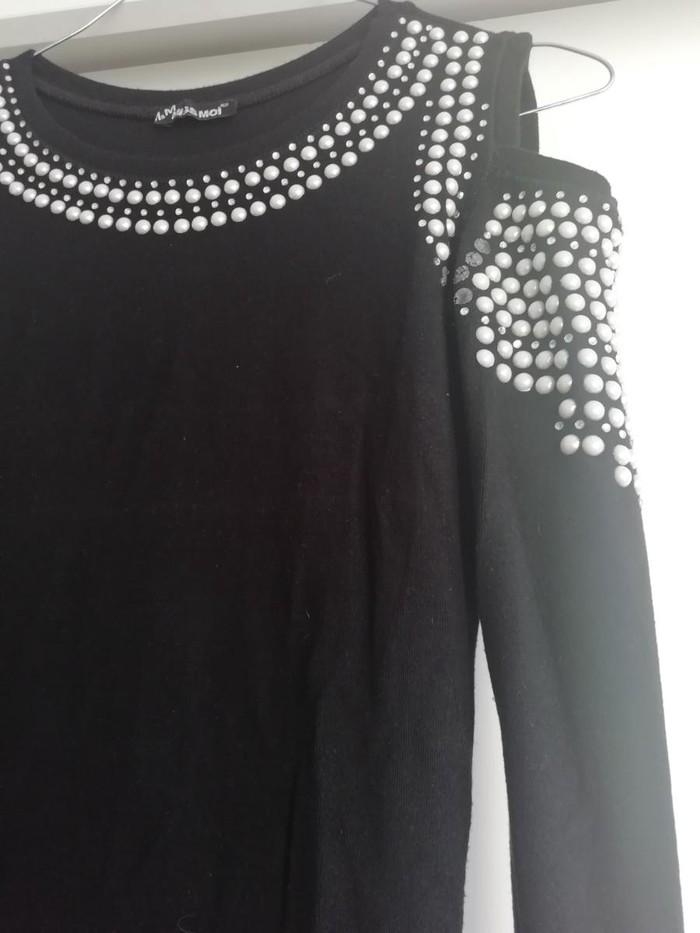 Košulje i bluze - Beograd: Crna bluza,veličina 38,ima dosta elastina