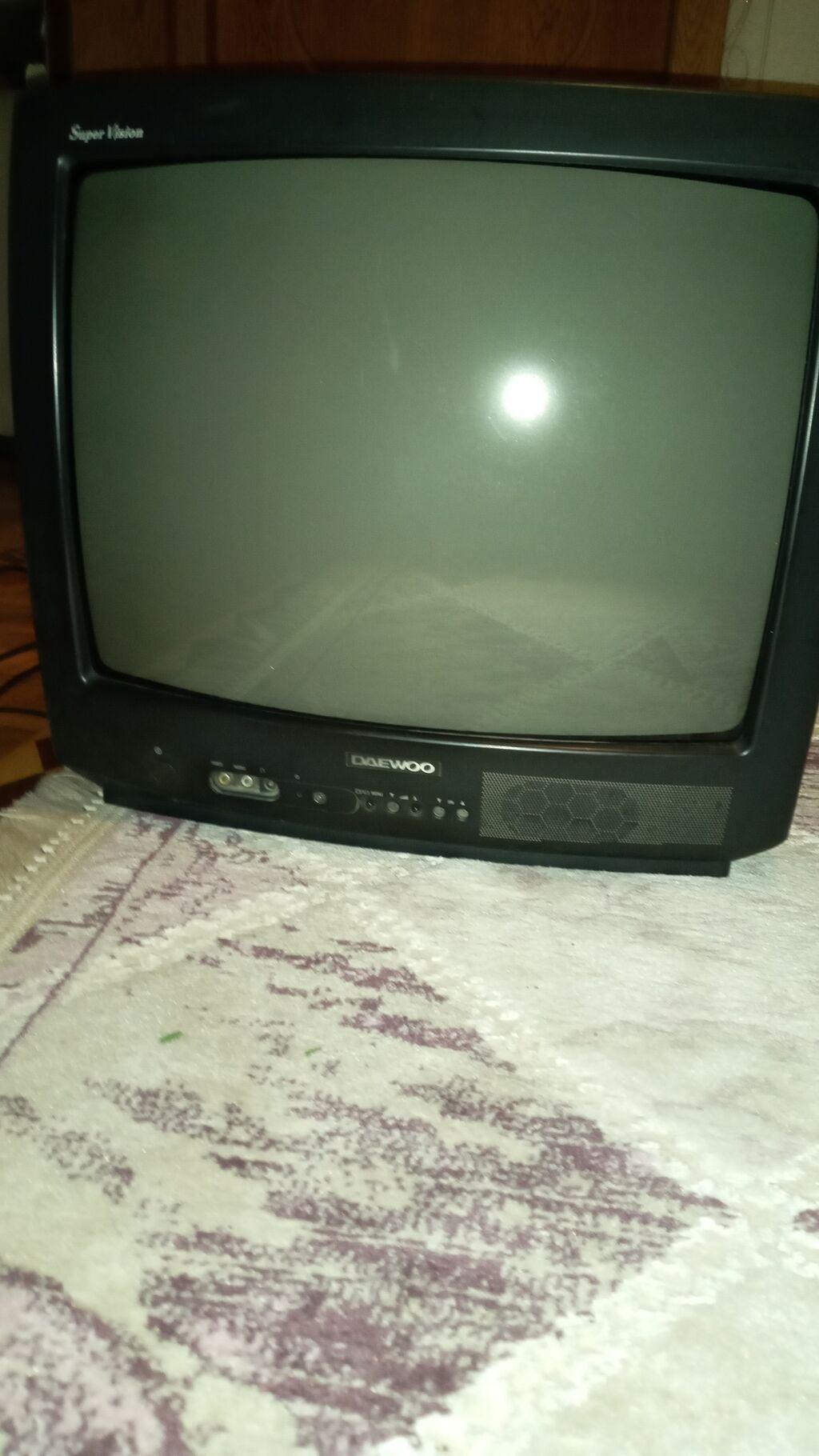 Televizor ustalari maraqlansin.qiymet razilasma yolu ile: Televizor ustalari maraqlansin.qiymet razilasma yolu ile