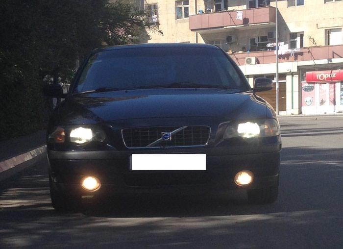 Bakı şəhərində Volvo S60 2004
