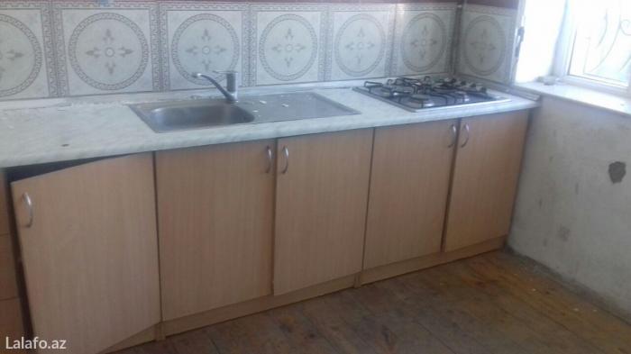 Bakı şəhərində Cox ucuz ve tam temirli 2 otaqli heyet evi satilir