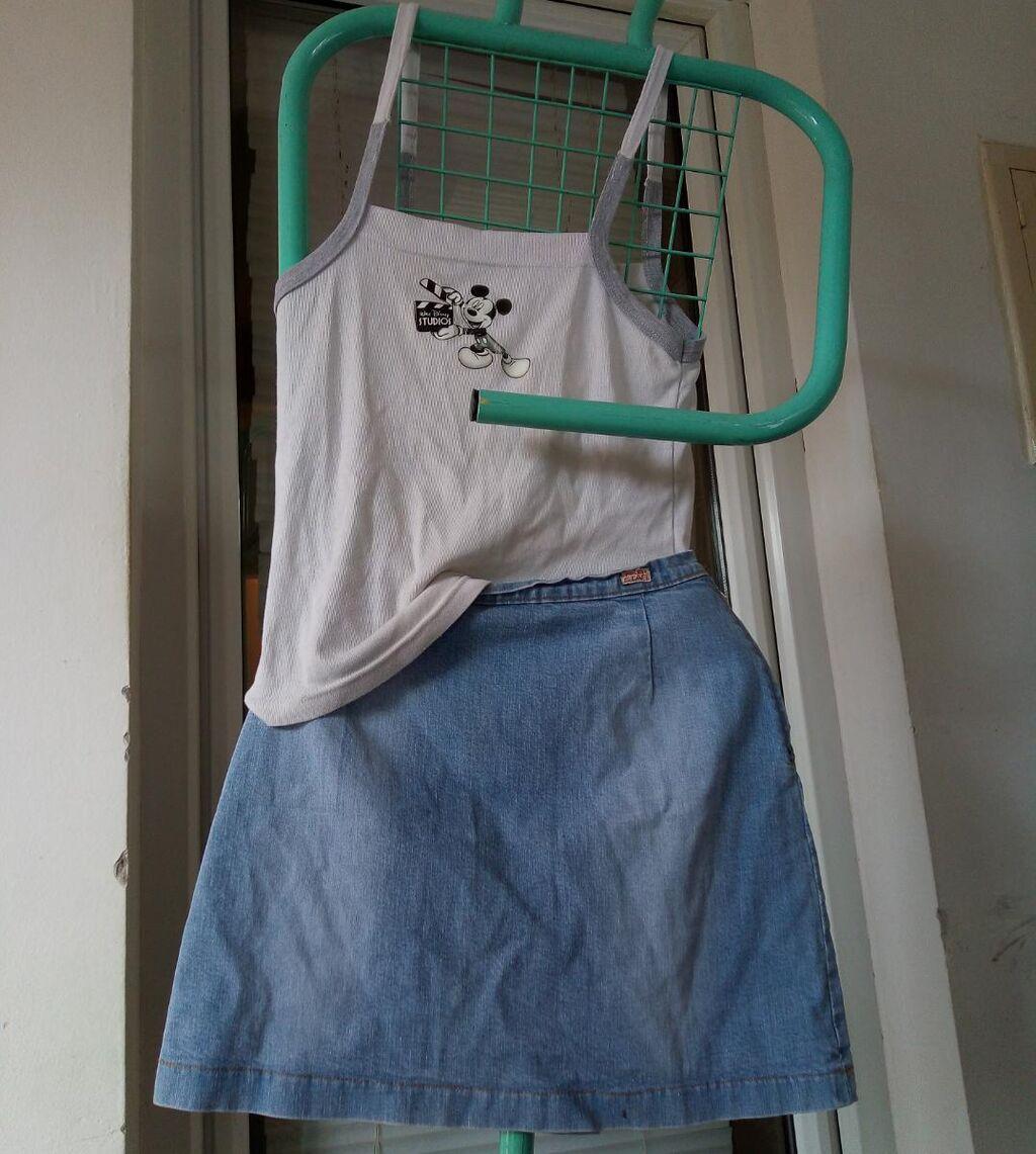 Majica: Veličina: S/M Cena 200 din  Suknja: Veličina: S Cena 300 din