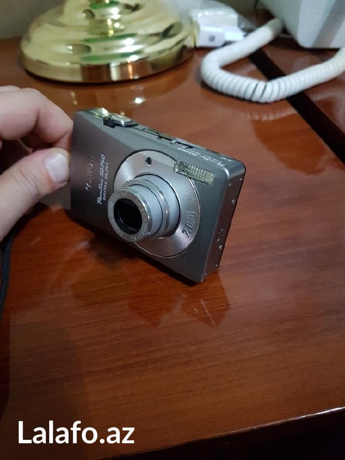 Bakı şəhərində Canon foto aparat az ishlenmish ve chox yaxshi veziyyetde. Canon power