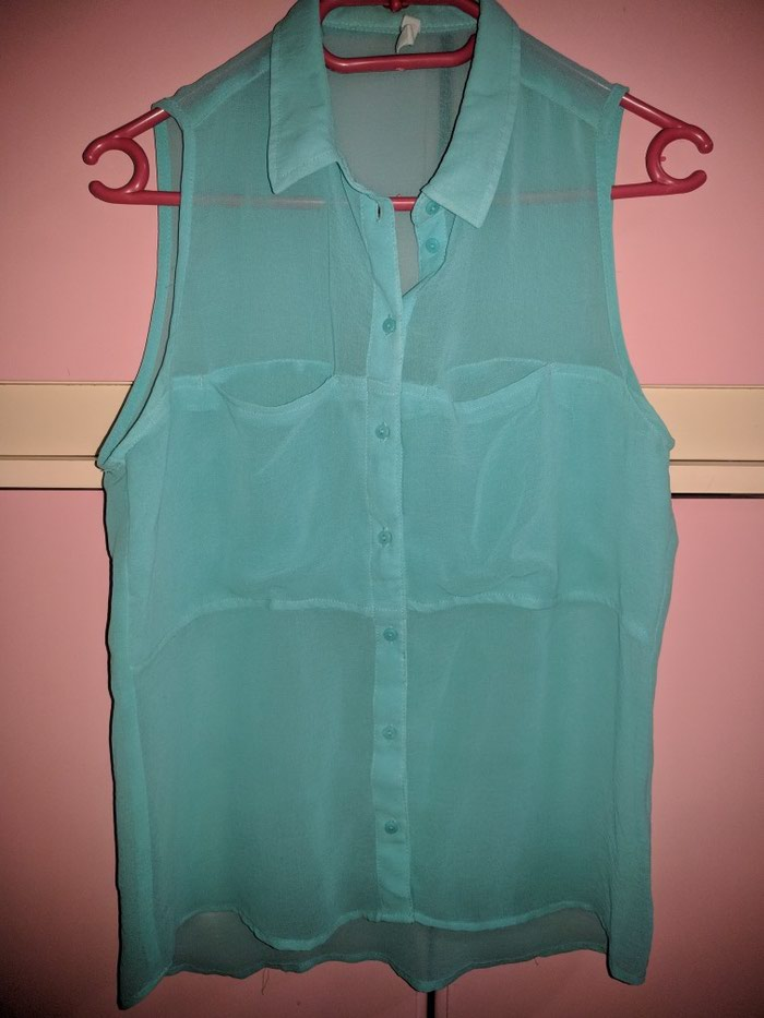 Bershka tirkizno plava košulja, u odličnom stanju, veličina S. - Leskovac