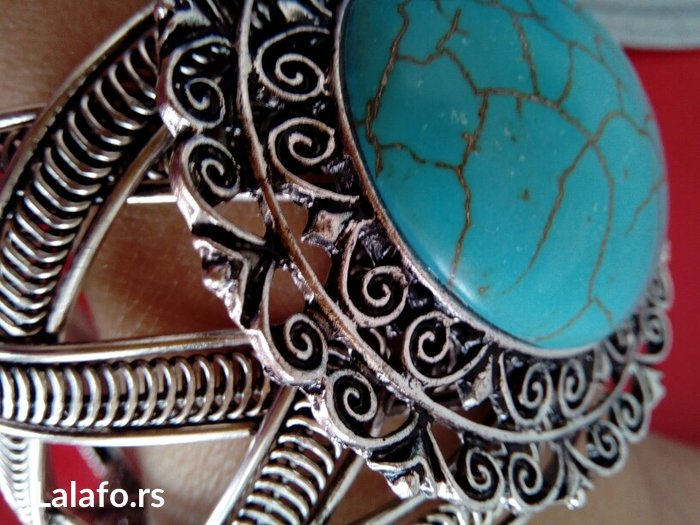 Narukvica tibetan srebro  Narukvica izrade tibetan i od materijala zva - Kragujevac