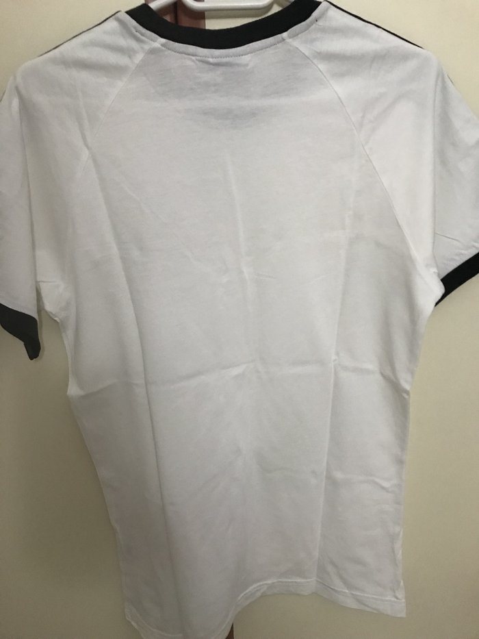 Adidas original t shirt no medium. Photo 1