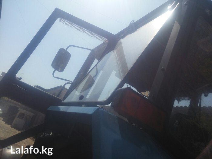 продаю трактор мтз 82 год 2011 состояние отличное наработки 4000 моточ в Бишкек