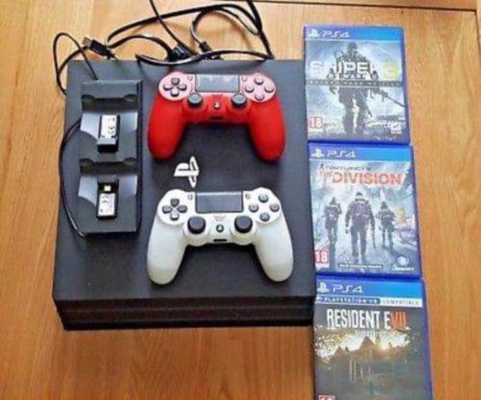 Ολοκαίνουργιο PS4 με 5 δωρεάν παιχνίδια. Photo 2
