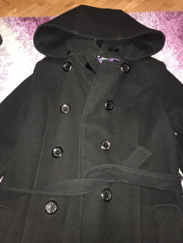 Zenski kaput u broju M