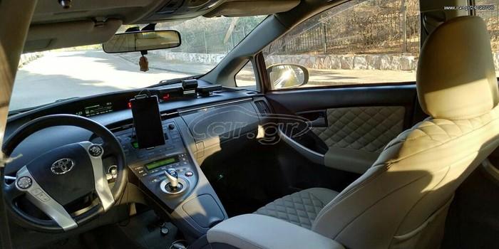Toyota Prius 2011. Photo 4