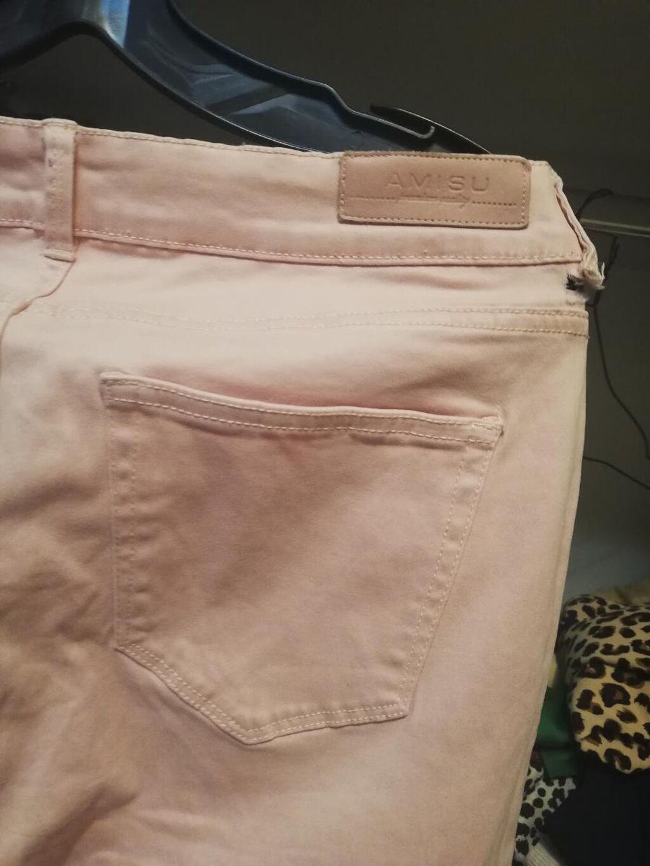 Nove svetlo roze pantalone 40 velicina amisu marka elastin