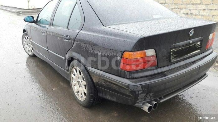 BMW 320 1997. Photo 2