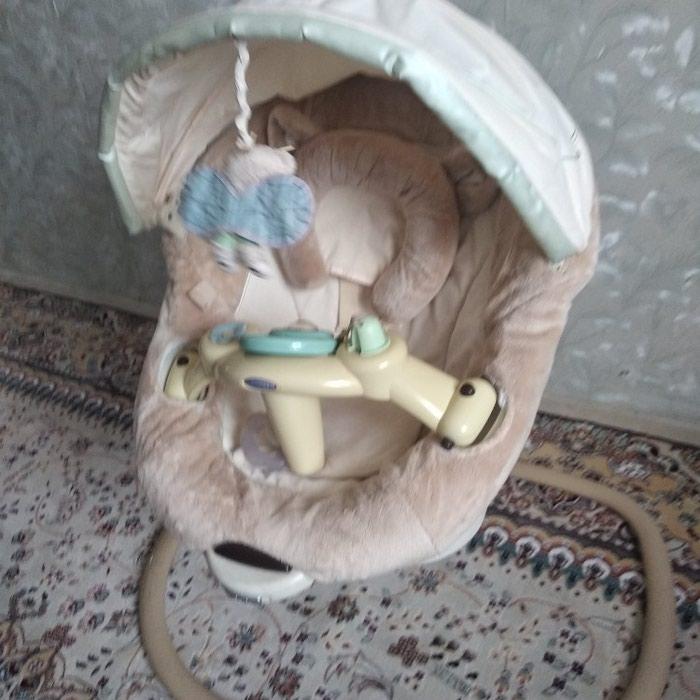 Продаю электро качелю ,GRACO отличная вещь продаю связи с переездом в Бишкек