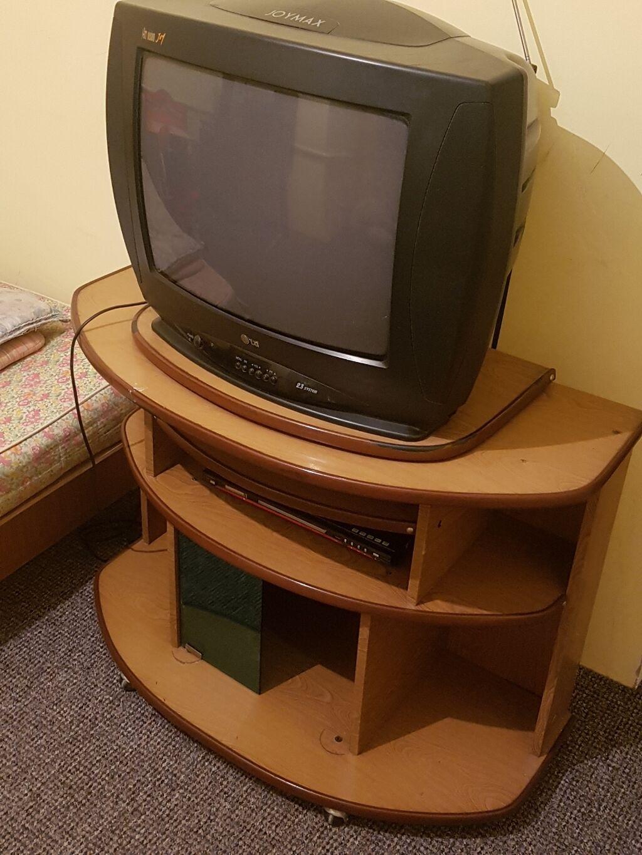 Продаю телевизор ( подставка + DVD в подарок )состояние хорошое: Продаю телевизор ( подставка + DVD в подарок )состояние хорошое