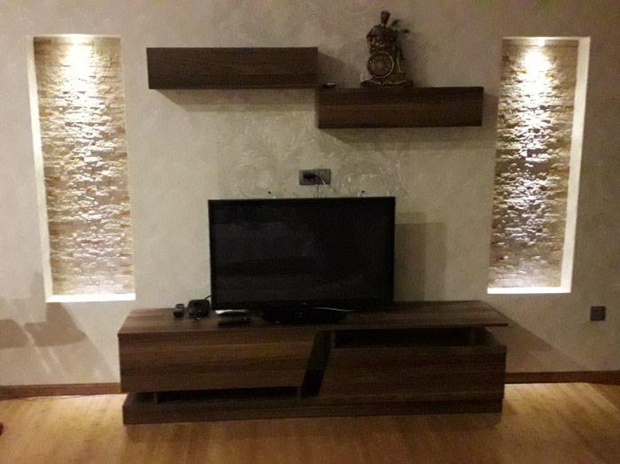 Bakı şəhərində TV stend satılır.