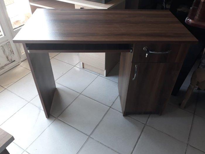 Kompüter stolu zamoklu in Bakı