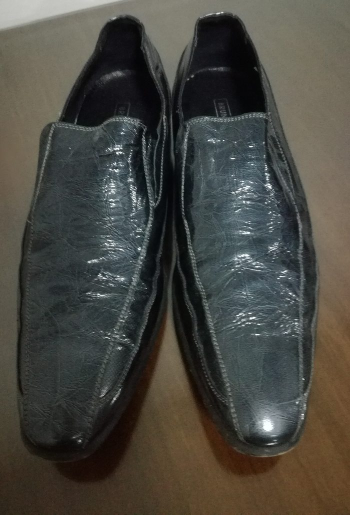 Πωλούνται δερμάτινα παπούτσια για κοινωνικές περιστάσεις, Νο44 σε πολύ καλή κατάσταση! 2 φορές μόνο φορεμένα!