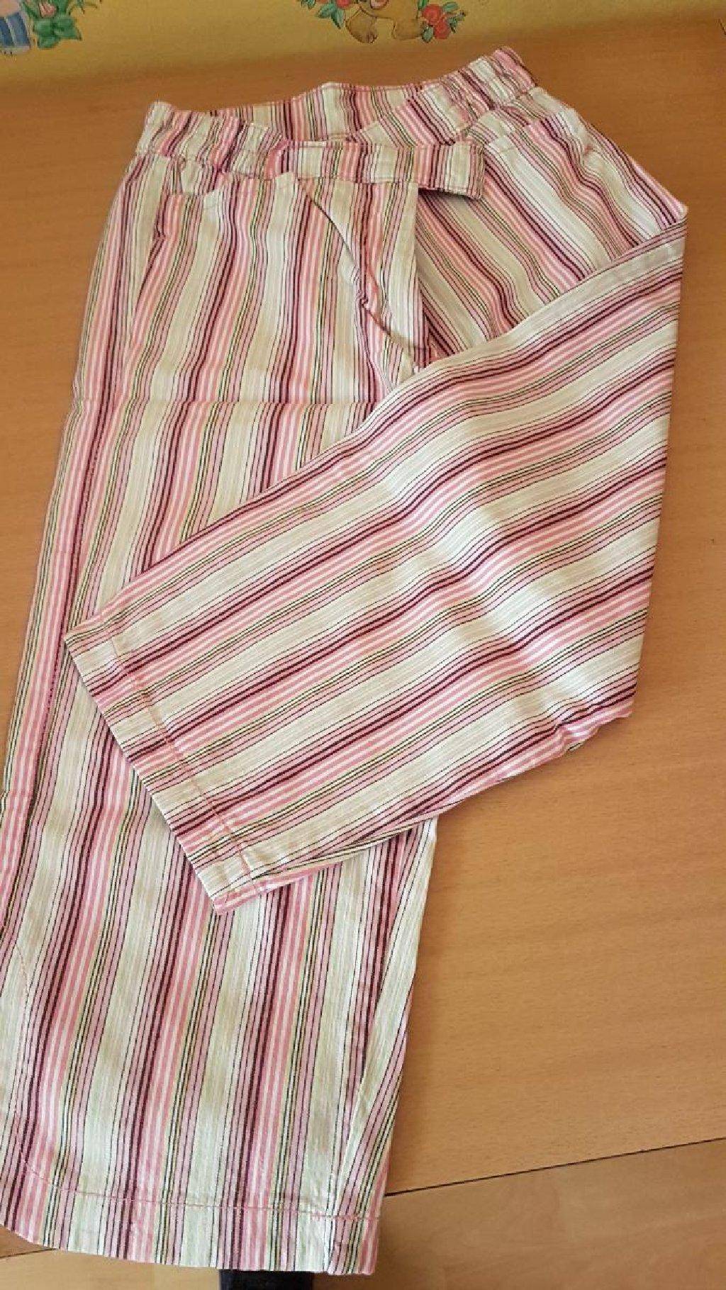 NOVE. Tricetvrt pantalone,broj 128,kupljene u Nemackoj