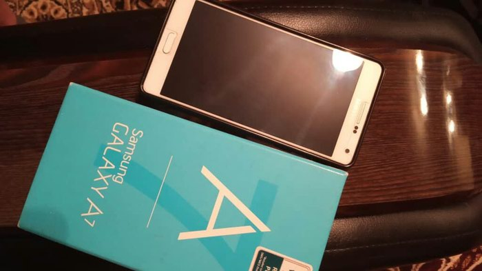 Samsung A7. Photo 2