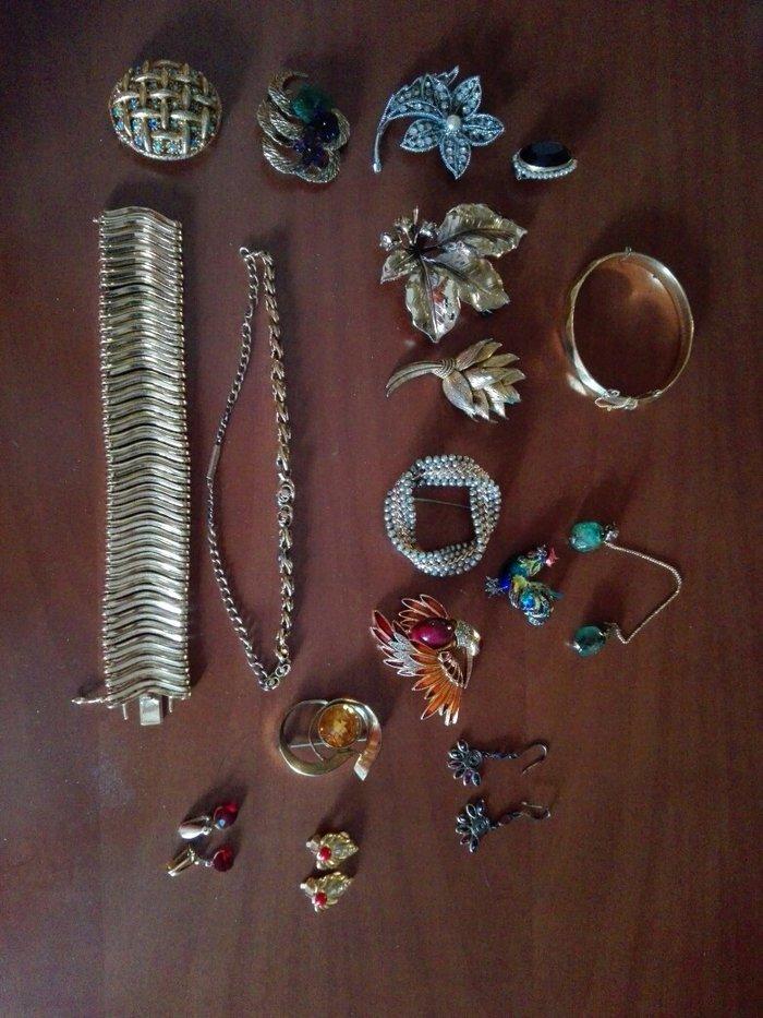 7 ευρώ το κομμάτι. Vintage faux bijoux. Επιχρυσα. . Photo 0