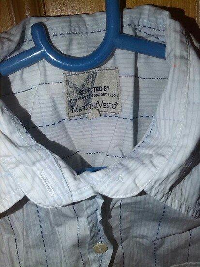 Martini Vesto poslovna bela kosulja sa svetlo plavim linijama. Skoro n - Leskovac