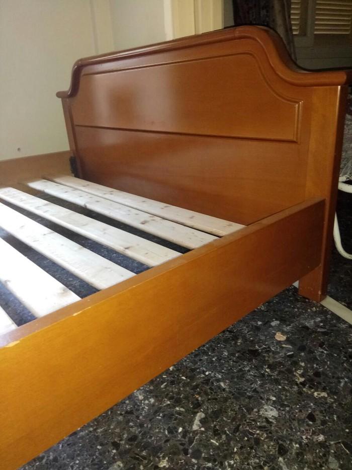 Κρεβάτι ξύλινο 210*160 με τάβλες χωρίς στρώμα. Μεταχειρισμένο. Photo 1