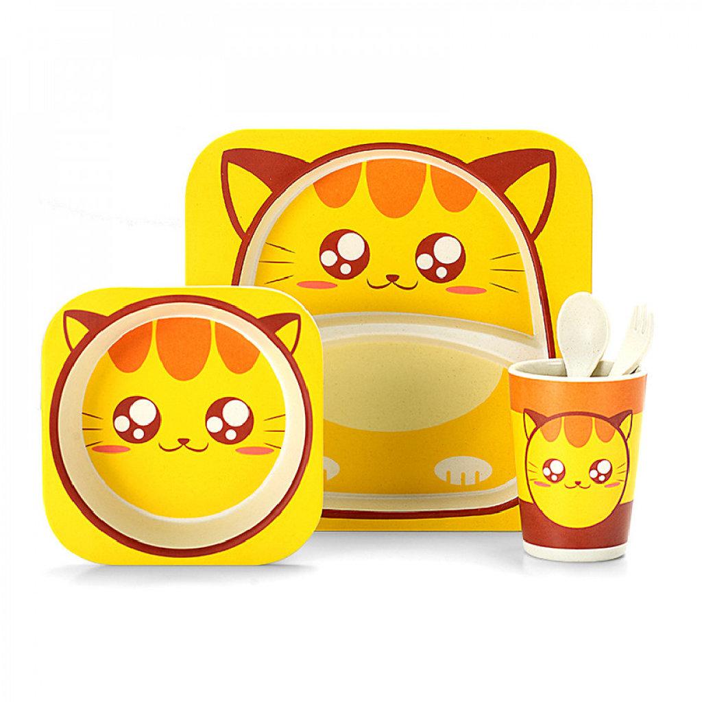 С бамбуковой посудой Happy Kids: