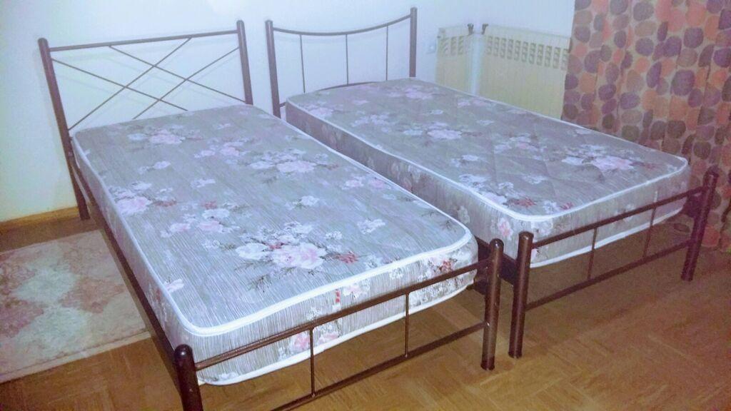 Δύο Κρεβάτια μονά με στρώμα !!!!!! 150ΕΥΡΩ ΤΟ Ενα