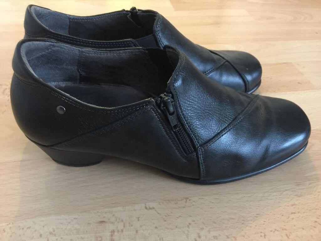 Zenske kozne cipele, udobne, nove,  samo probane