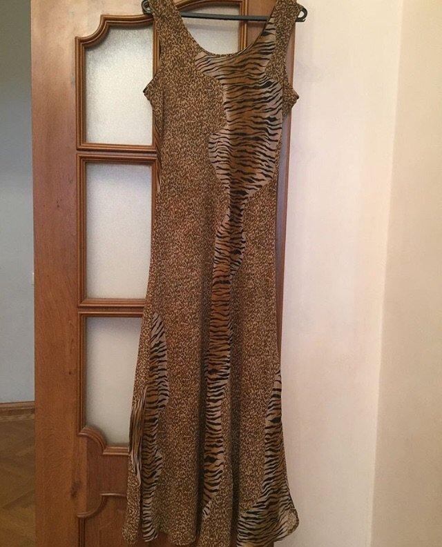 Paltar shifon Turkiyeden alinib.Her iki terefini geyinmek olar 25 azn. Photo 1