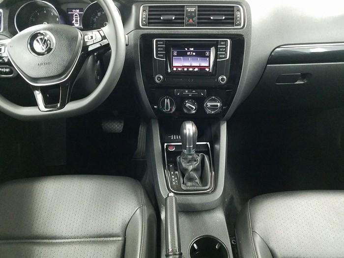 Volkswagen Jetta 2018. Photo 5