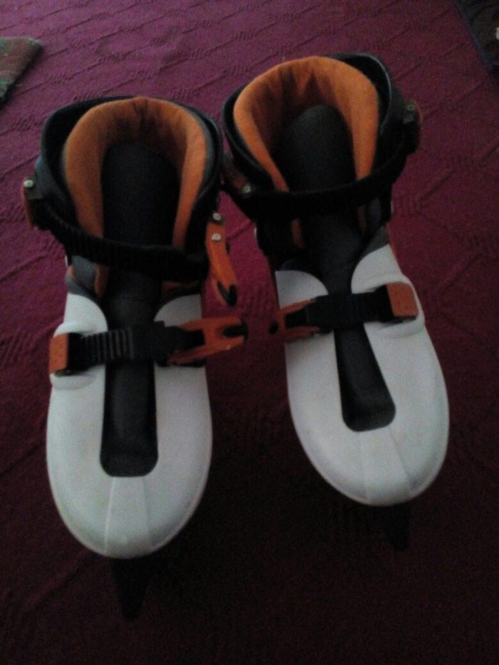 Кроссовки и спортивная обувь. Photo 1