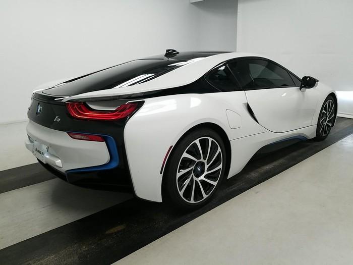BMW i8 . Photo 1
