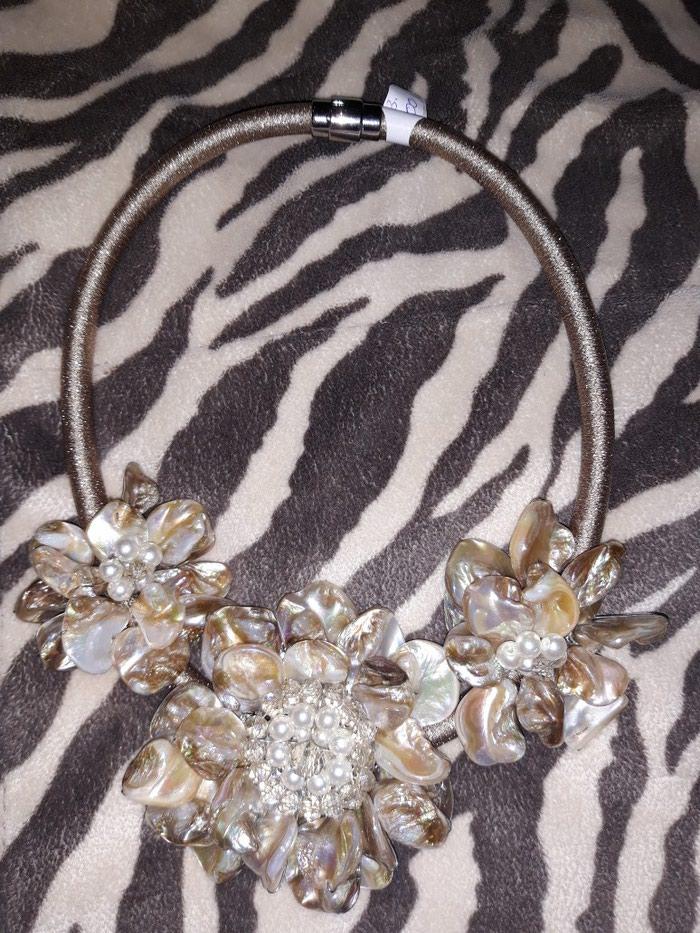 Glamurozna ogrlica od skoljke( nakitiz italije) - Pozarevac