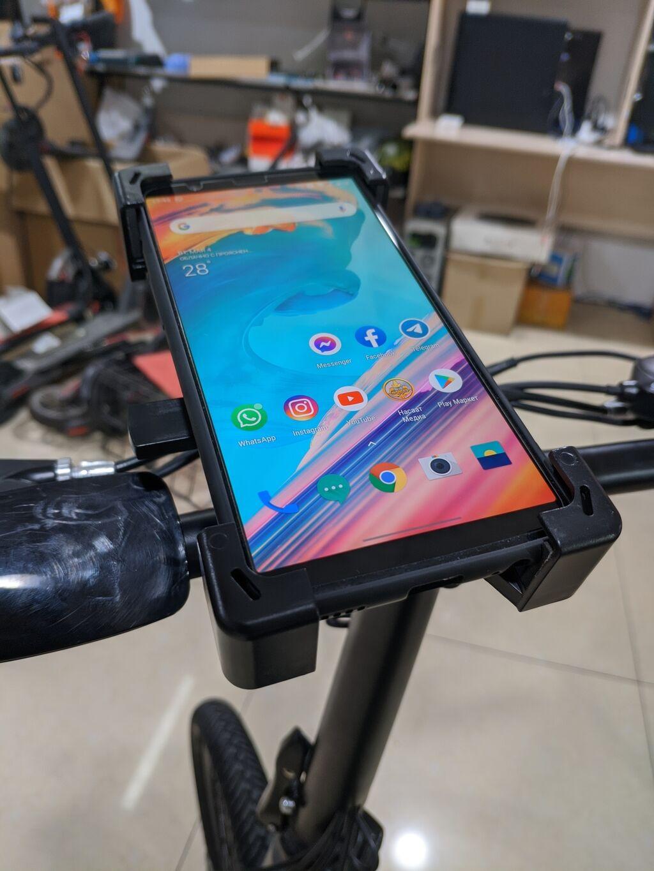 Держатель телефона для велосипеда/электросамокатов Цена 700с: Держатель телефона для велосипеда/электросамокатов Цена 700с