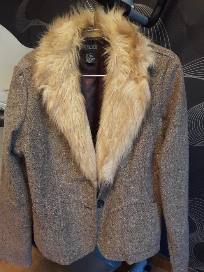 Теплый пиджак 10 ман размер L. Photo 1